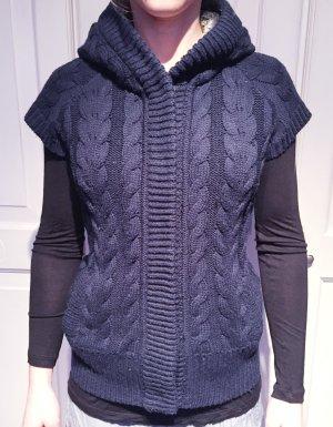 Superschöne Strickweste mit Zopfmuster von Zara Knitwear