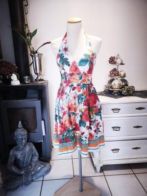 Superschönes Blumenkleid von Zara Basic Gr S Vintagestil Rosen rot Kleid Midikleid Kleid Neckholder Sommerkleid weiß