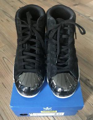 Superstars High Top Metal toe Sneakers