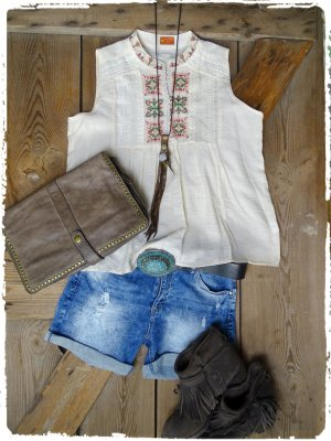 Off-The-Shoulder Top natural white-cream