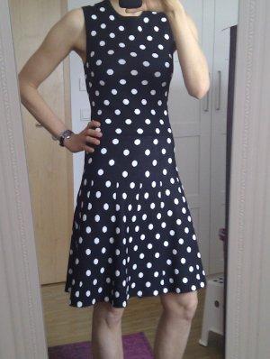 Supersüßes feminines Kleid in Strick-Optik mit Punkten - wie neu!