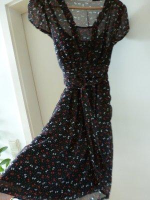 Supersüßes Kleid perfekt für Weihnachten von Kookai