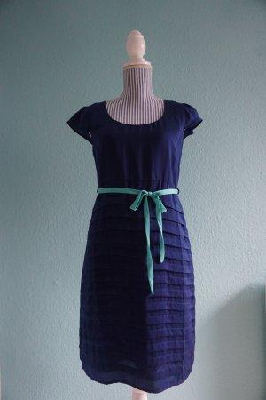 Supersüßes Kleid von Vila in Dunkelblau