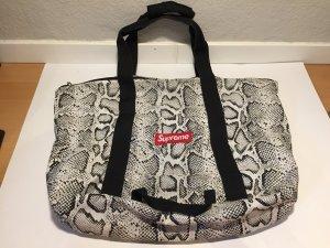 SUPREME Duffle Bag Sporttasche mit Schlangenmuster