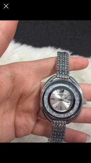 Swarovski Montre avec bracelet métallique argenté
