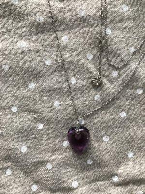 Swarovski Kette mit süssen Herz in Flieder violett.