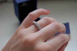 Swarovski Ring mit Steinen besetzt