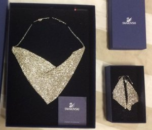 Swarovski Set Halskette + Ohrringe