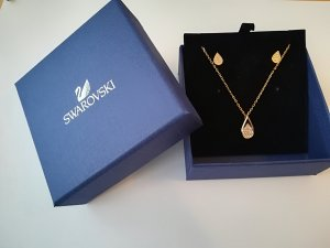 Swarovski Set Kette + Ohrstecker in Tropfenform rosé gold
