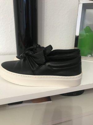 Swarze sneaker von zara basic