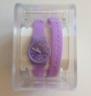 Swatch Doppelarmband Uhr in Lila. kaum genutzt, voll funktioniert mit neue Batterie
