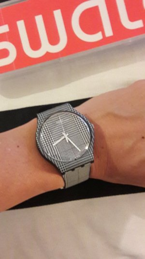Swatch Analog Watch white-black synthetic material