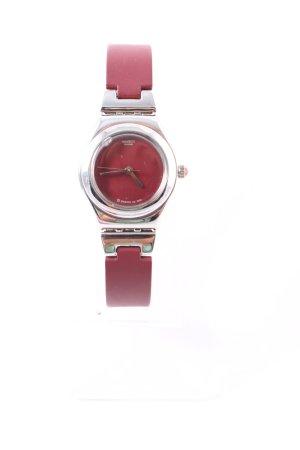 Swatch Uhr mit Metallband dunkelrot-silberfarben klassischer Stil