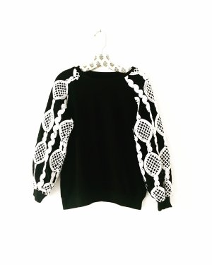 sweater • pulli • schwarz • weiss • vintage • boho • edgy