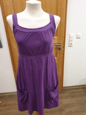 Robe de plage violet