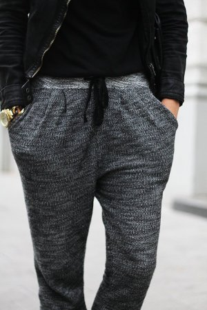 Sweatpants / H&M / Grey / Blogger
