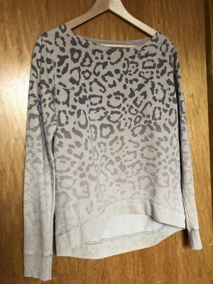 Sweatshirt mit Leoprint von Juvia