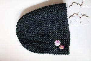 Sweete Mütze mit Knöpfen