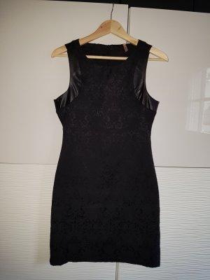 Sweewe schwarzes Kleid