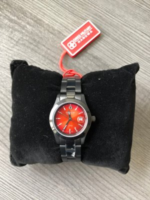 Swiss Military Watch With Metal Strap anthracite-red