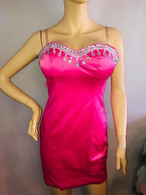 Sylvester Kleid in gr 36 Farbe Pink Satin Grosse Kristalle