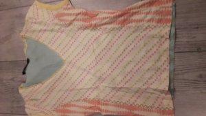 T-Shirt bund in der Grundfarbe hellgelb