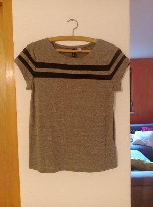 T-Shirt hellgrau mit schwarzen Netzstreifen