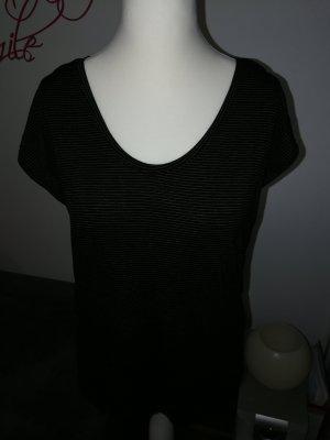T-Shirt in beige schwarz gestreift der Marke Pieces in der Größe XL