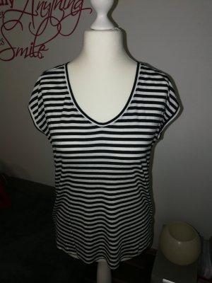 T-Shirt in dunkelblau weiß gestreift der Marke Pieces und der Größe XL
