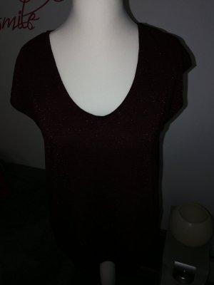 T-Shirt in dunkelrot mit Glitzergarn Streifen der Marke Pieces und der Größe XL