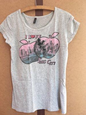 T-Shirt in grau mit Aufdruck