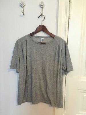 T-Shirt in grau mit schönen Details