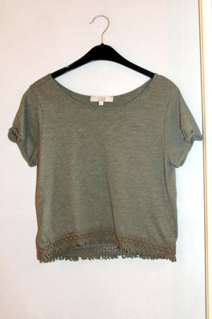 T-shirt in khaki cropped