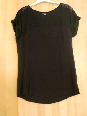 T-Shirt in Schwarz oben mit durchscheinenden Ornamenten