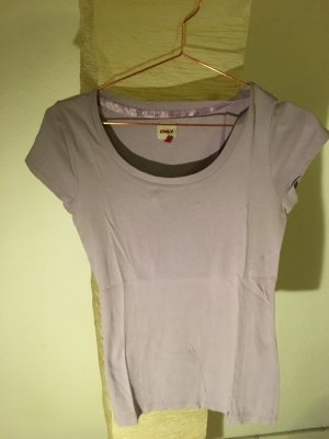 T-Shirt in violett von ONLY