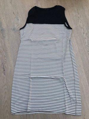 T-Shirt-Kleid von Margittes