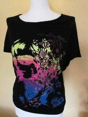 T-shirt mit Ausschnitt im Nacken