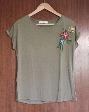 T-Shirt mit bunter Stickerei von Promod