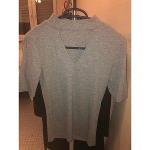T-Shirt mit Cut Out/ Choker Pieces