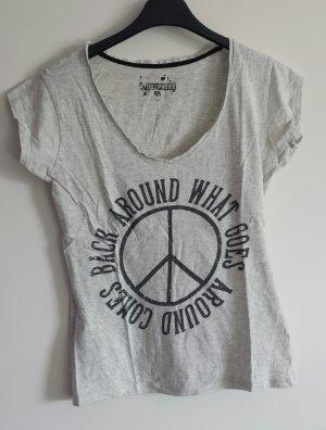 T-Shirt mit Peacezeichen