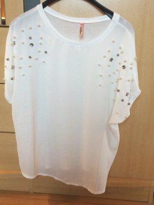 T-Shirt mit Perlen am Arm