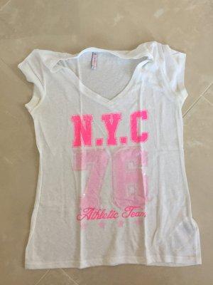 T-Shirt mit pinkem Aufdruck