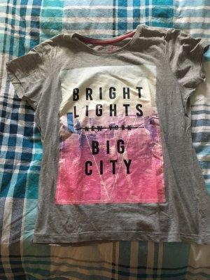 T-Shirt mit Spruch in Grau