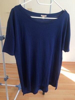 T-Shirt mit weitem Rundhals-Ausschnitt - fast neu