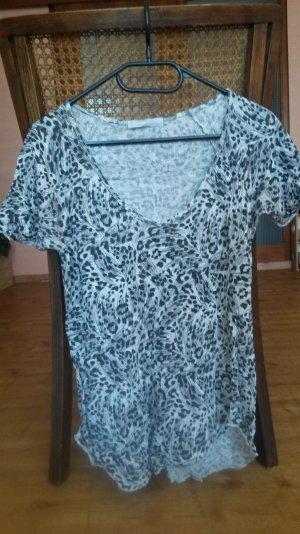T-Shirt mit weitem Rundhalsausschnitt in Leoparden-Print