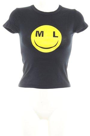 Camiseta negro-amarillo estampado temático look casual