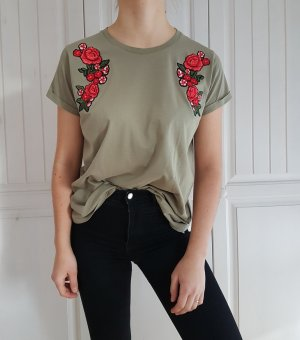 T-shirt shirt tshirt kaki khaki grün rot XL oversize rosen Blumen Oberteil top tanktop croptop