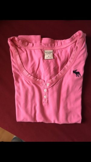 T-Shirt von Abercrombie & Fitch in pink