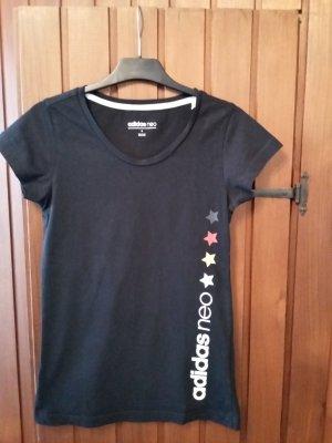 T-shirt von adidas neo in schwarz