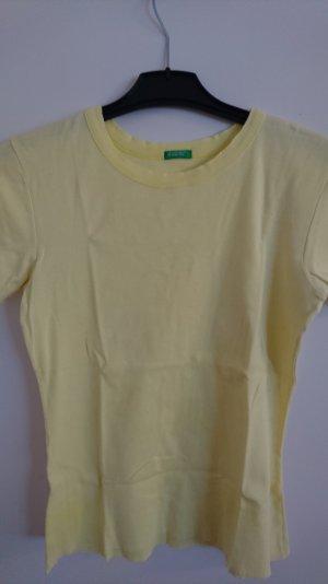 T-Shirt von Benetton zu verkaufen